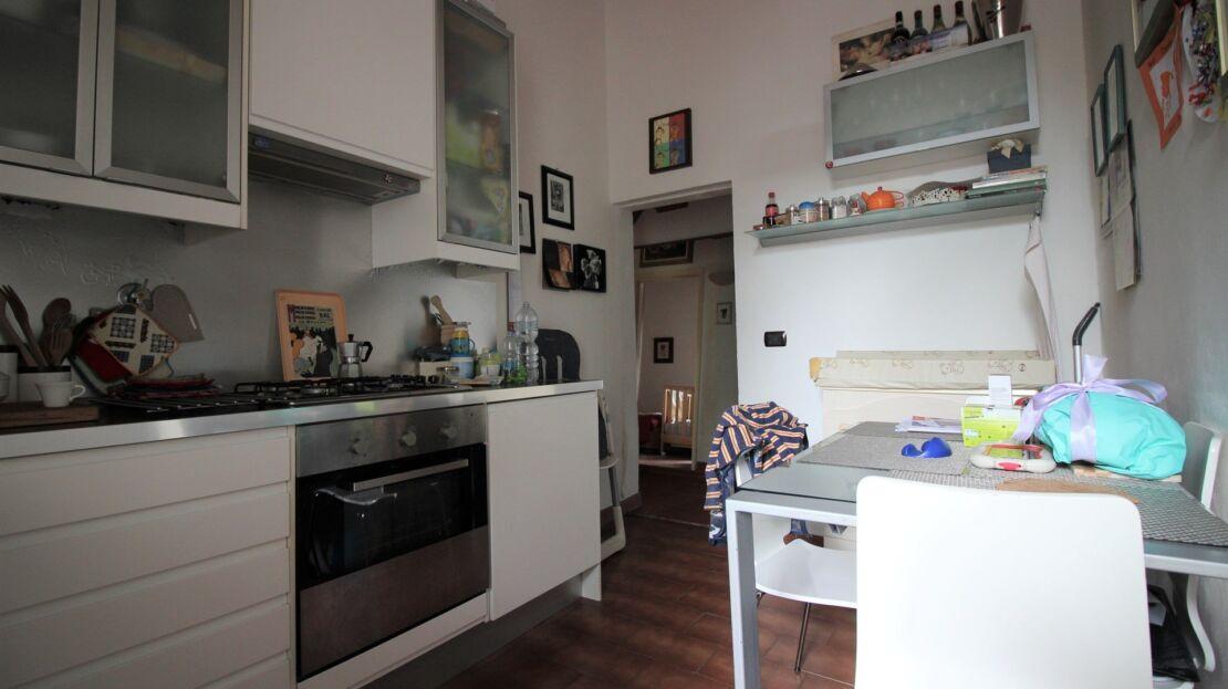 Appartamento in vendita nei pressi di via Orcagna Cucina