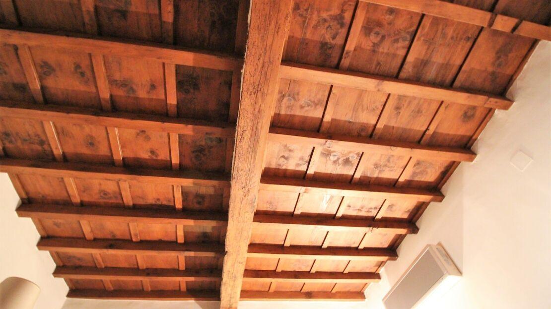 Casa in vendita via romana soffitto con travi in legno