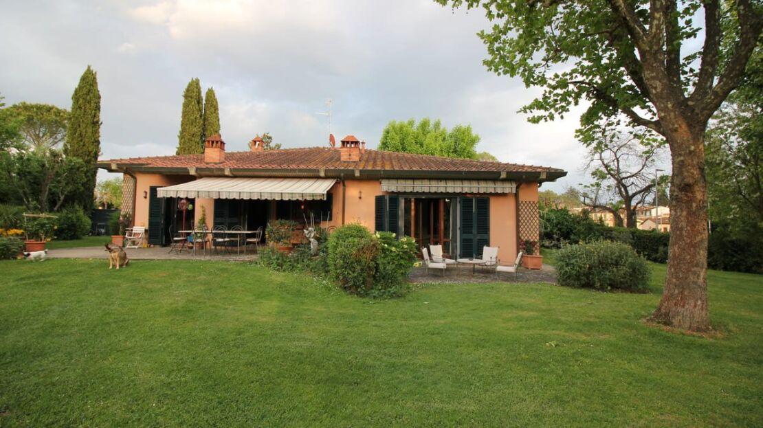 Villa con giardino in via Senese Giardino