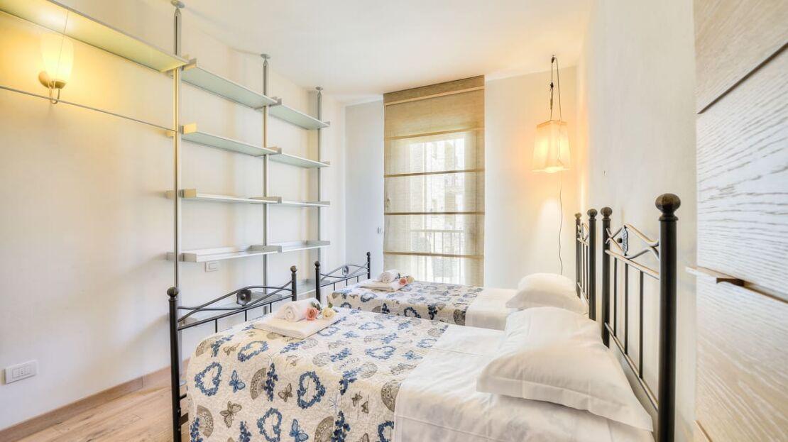 Casa in vendita in via Orcagna Camera da Letto