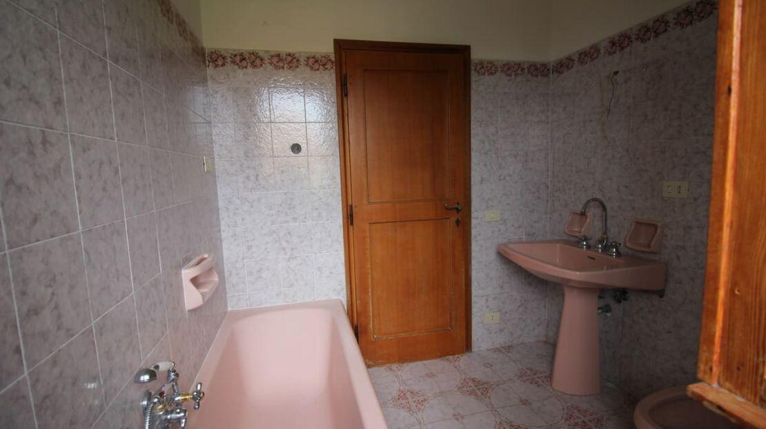 Villa in vendita nei pressi dell'Ugolino Bagno