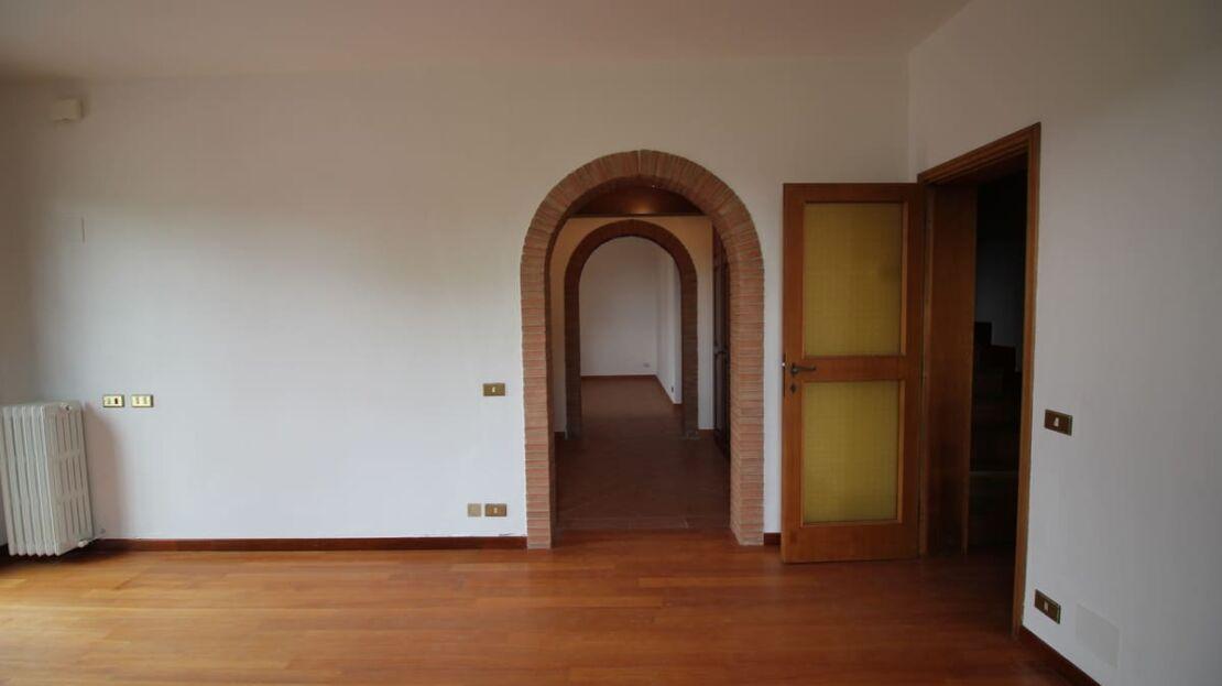Villa in vendita nei pressi dell'Ugolino Camera