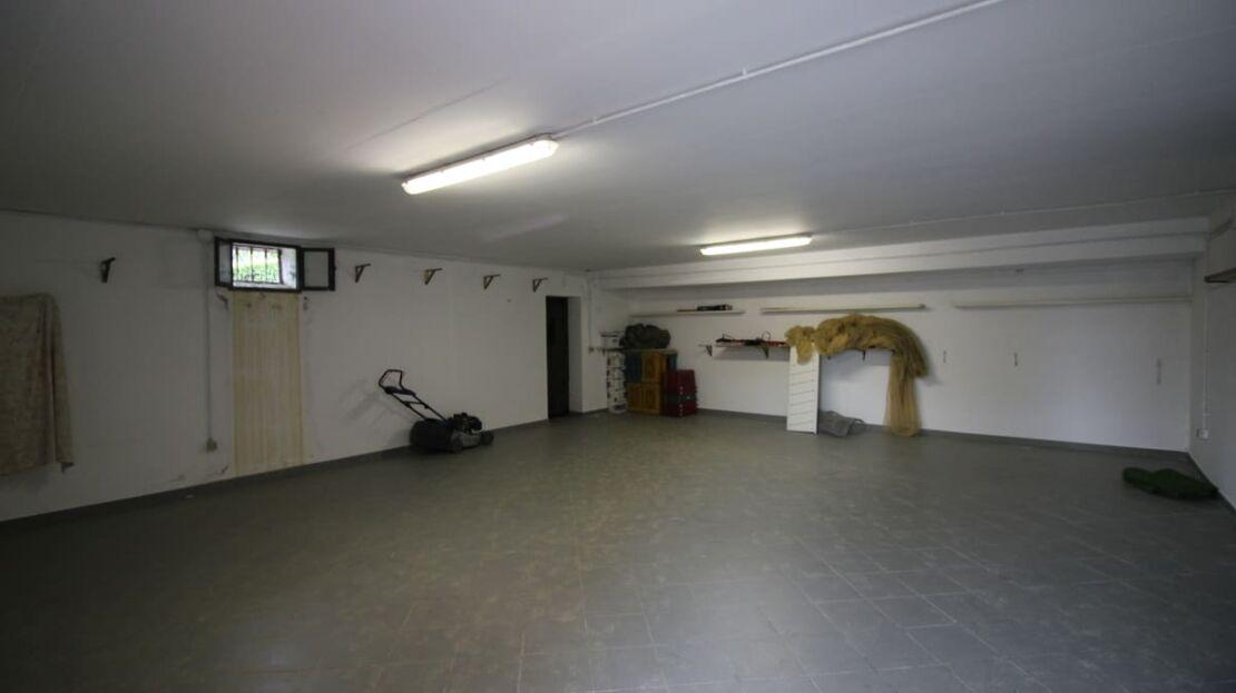 Villa in vendita nei pressi dell'Ugolino Garage