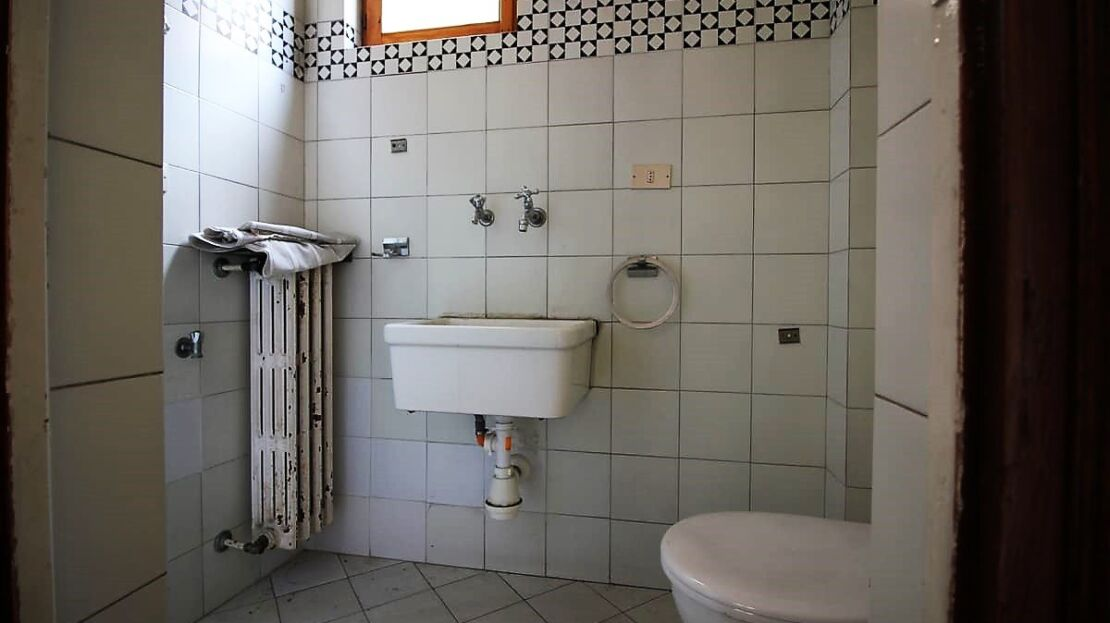 House for sale in Via San Gallo bathroom