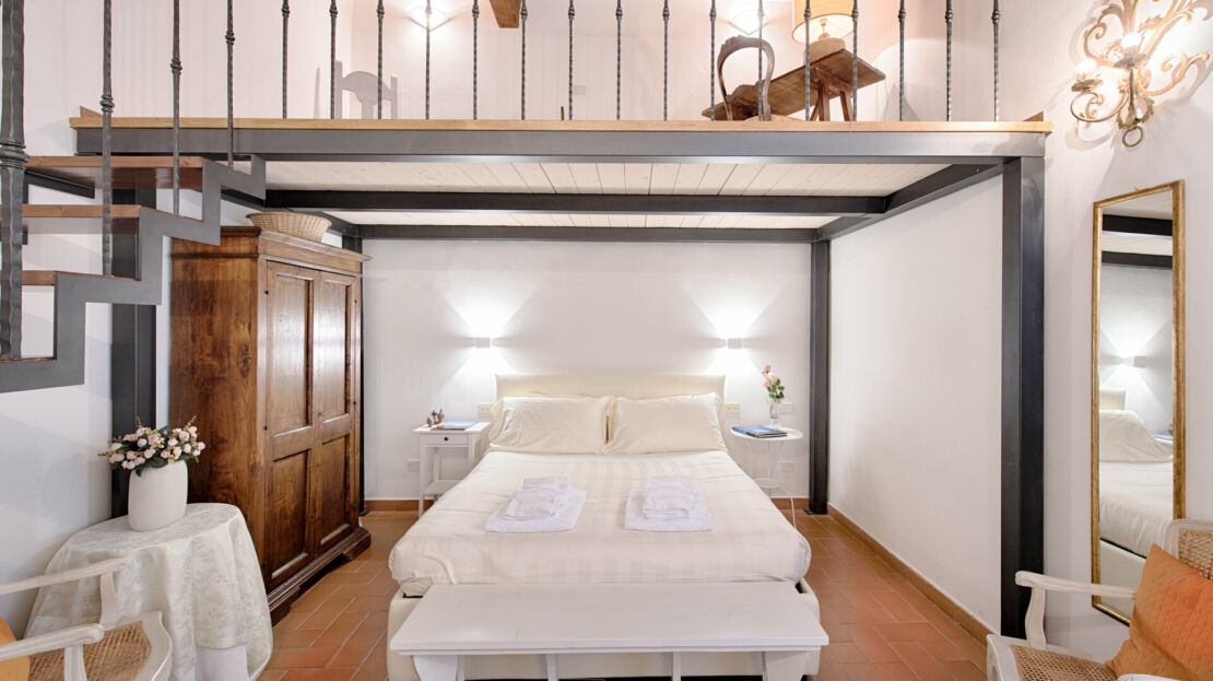 Casa in vendita vicino Piazza Santissima Annunziata camera da letto matrimoniale