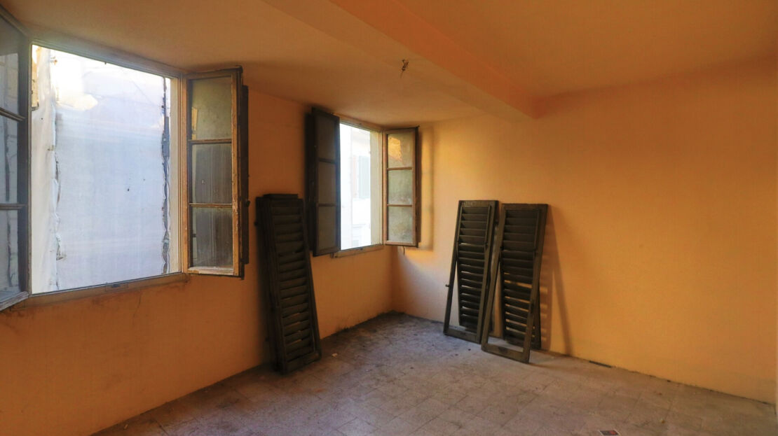 House for sale near the Central Market of Florence