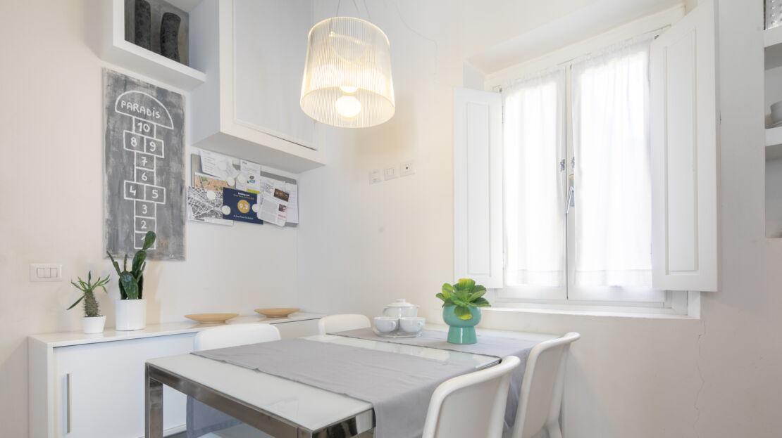 Two-room apartment in via dei Serragli