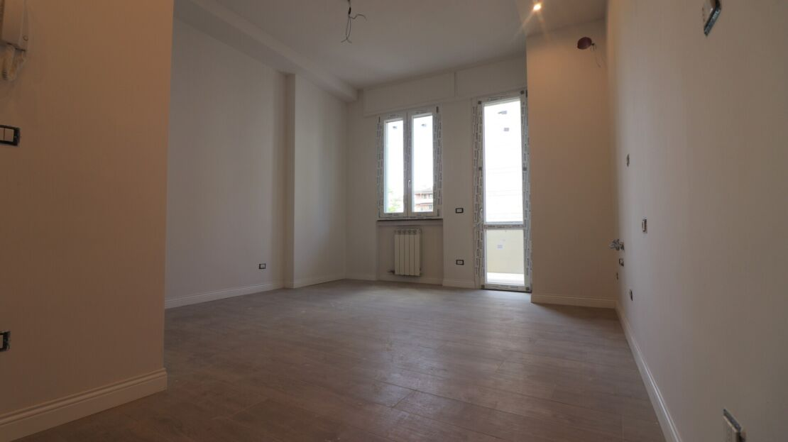 Two-room apartment in Viale Europa